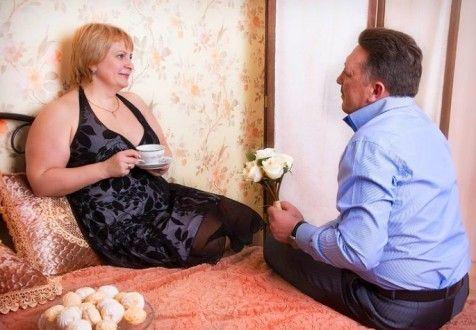 Что подарить на праздник жене