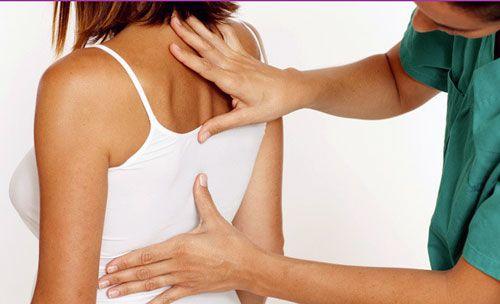 Боль в спине в районе лопаток – возможные причины