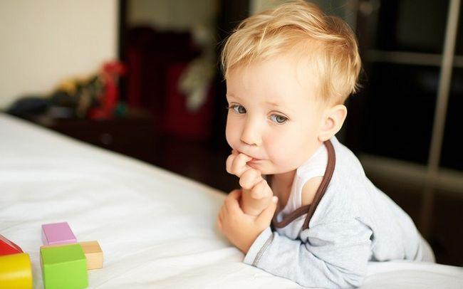 Что делать если ребенок грызет ногти: советы психолога