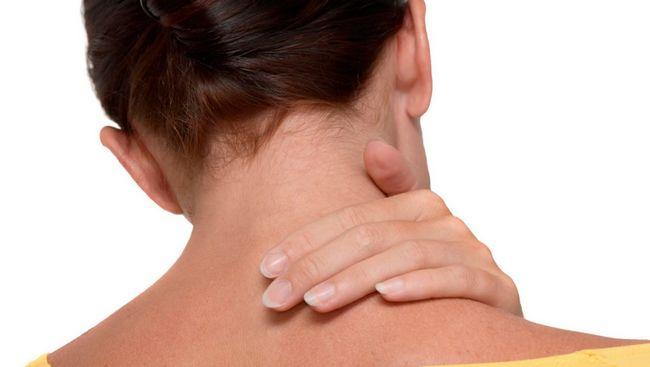 Что делать если защемило шею