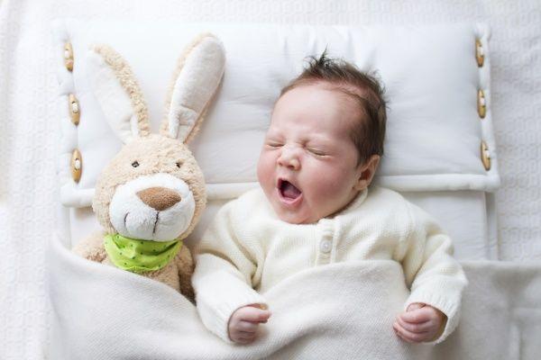 Что умеет маленький ребенок в 1 месяц
