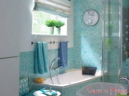 Интерьер маленькой ванной голубого цвета