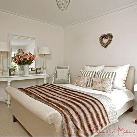 спальня в маленькой комнате от дизайнеров