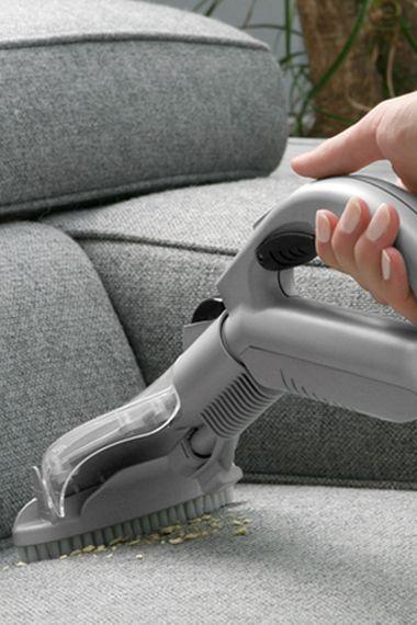 Как и чем почистить мебель в домашних условиях?