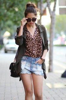 леопардовая блузка с шортами