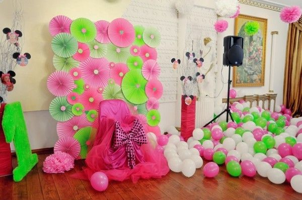 Как украсить комнату цветами на день рождения своими руками