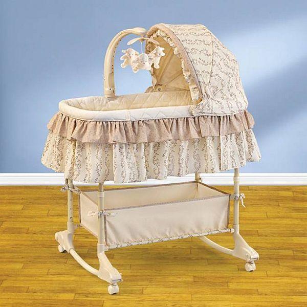 Как выбрать детскую кроватку для новорожденного малыша