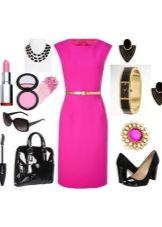 Розовое платье и аксессуары к нему для женщин цветотипа