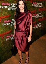 Шелковое платье цвета марсала для цветотипа Зима