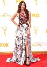 Chelsea Peretti - платье Эмми 2015