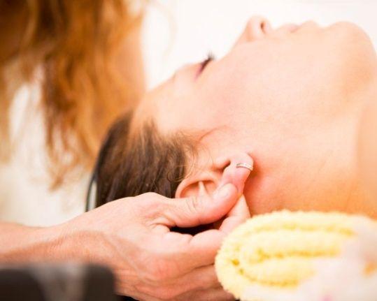 точечный массаж уха