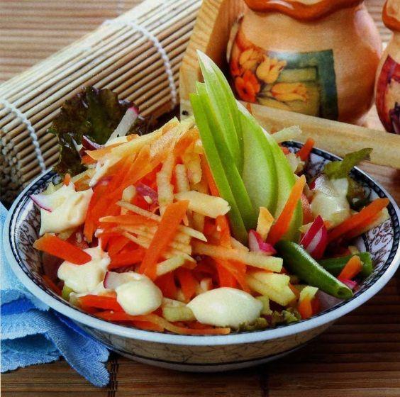 Морковный салат.