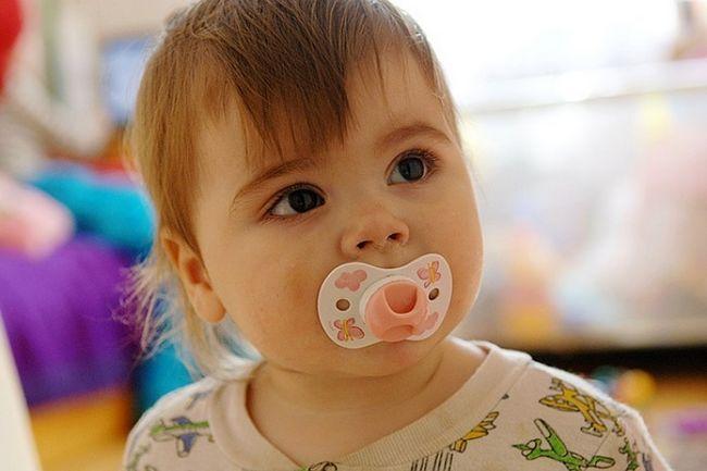 Может ли соска влиять на прикус ребенка
