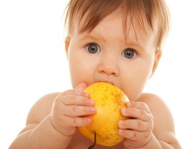 Начинаем прикорм ребенка правильно