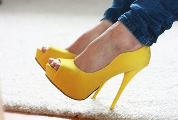 Ох уж эти желтые туфли!