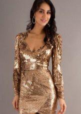 Платье золотого цвета мини длины