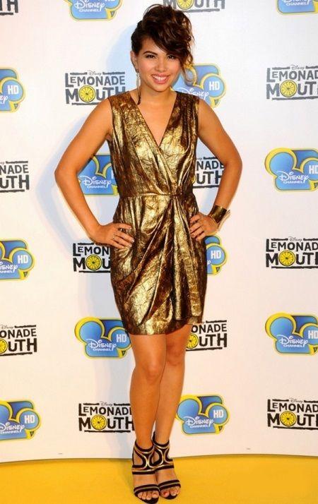 Золотое платье из