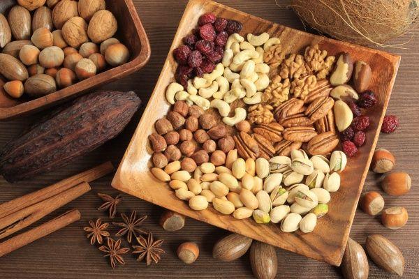 Полезные и вредные свойства орехов