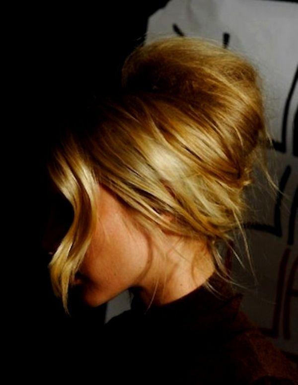 Прическа валик: воплощение стильной элегантности