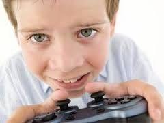 Ребенок играет в компьютерные игры: вред или польза