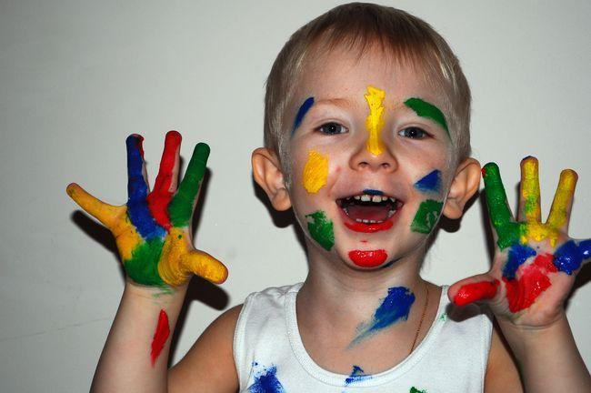 Рисуем пальчиковыми красками с ребенком