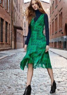 Зеленое платье с синим