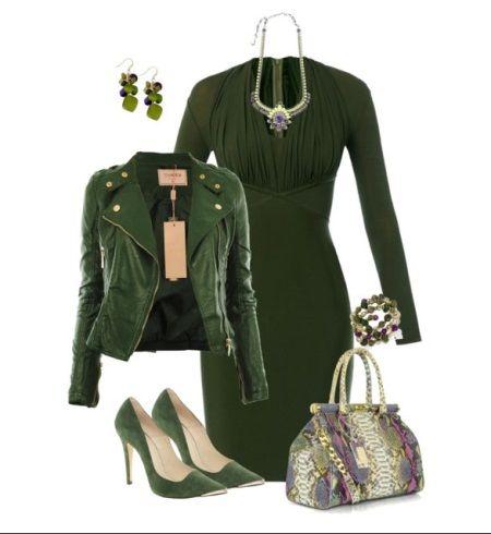 контрастные украшения к зеленому платью