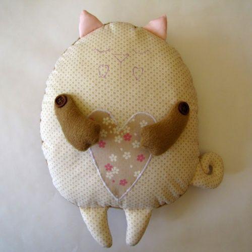 Шьем котика-подушку своими руками