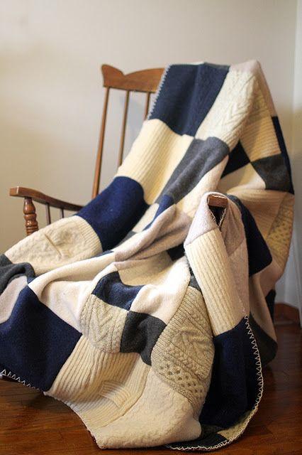 Шьем плед из старых свитеров