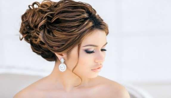 Собранные прически на длинные, средние и короткие волосы (50 фото)
