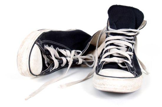 Стираем кроссовки в стиральной машинке