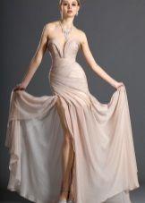 Бежевое свадебное платье пляжное