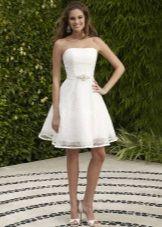 Короткое ажурное свадебное платье для пляжа