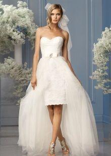 Свадебное кружевное платье с накладной юбой