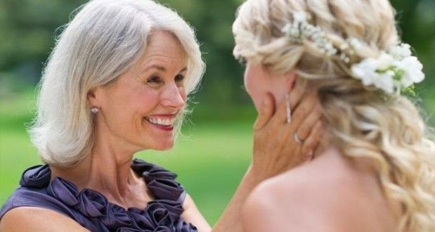 мама и дочь на свадьбе