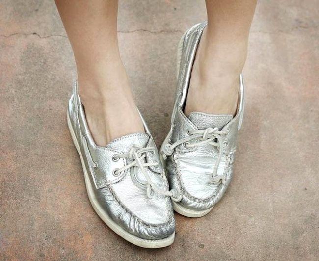 Обувь цвета