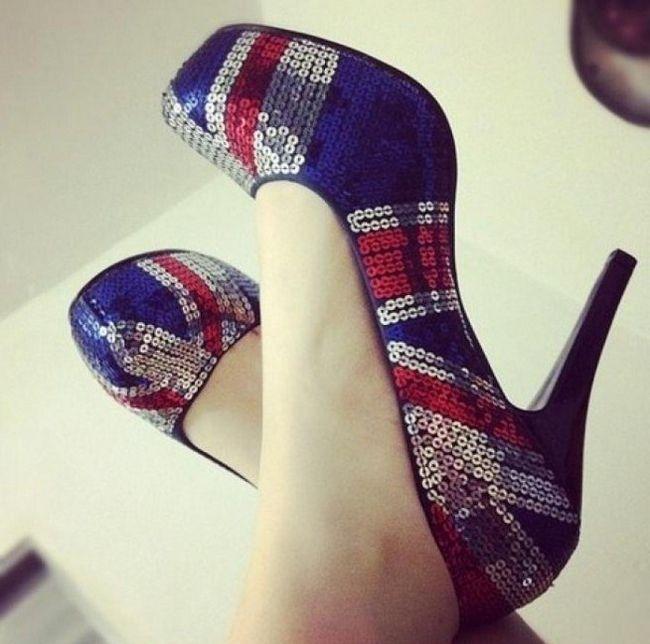 Пайетки на обуви