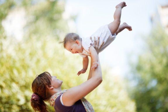 Уберечь ребенка от укусов комаров