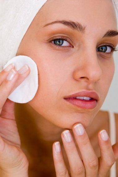 Уход за увядающей кожей лица: маски, лосьон и массаж