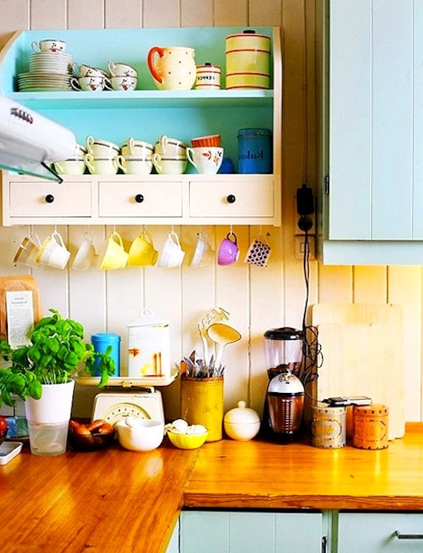 Цветные детали на кухне