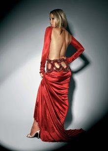 Красное платье в пол с открытой спиной