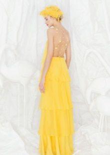 Желтое вечернее платье с открытой спиной