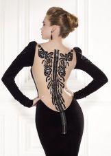 Вечернее платье с открытой спиной Тарик Эдиз с декором