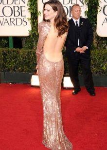 Вечернее платье с открытой спиной Эн Хеттеуэй