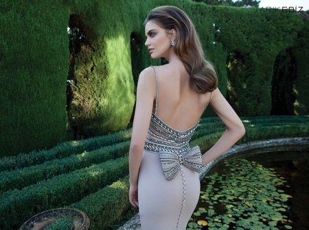 Вечернее платье от тарик Эдис с открытой спиной