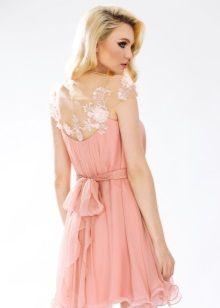 Короткое платье с иллюзией открытой спины