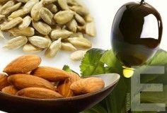 семечки, орехи и масло с витамином Е