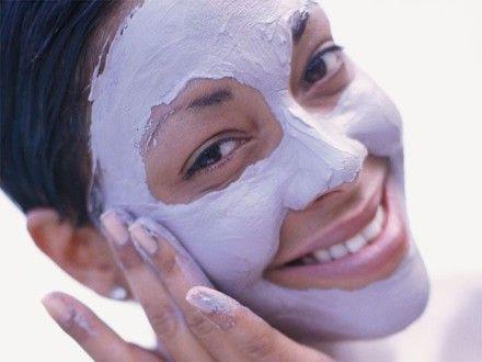 нанесение маски на лицо по массажным линиям
