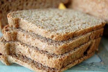 Выбираем цельнозерновой хлеб для худеющих