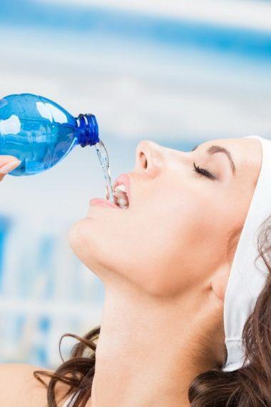 Зачем организму вода и как она влияет на организм человека